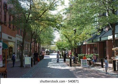 Urban scene 1 - people shopping and restaurants into the mall, Salem, Mass