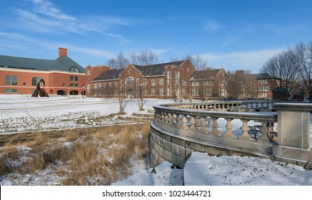 URBANA, ILLINOIS, USA - FEBRUARY 8: The Bardeen Quad with the Grainger Engineering Library (left) and Mechanical Engineering Lab (right) on the campus of the University of Illinois on February 8, 2018