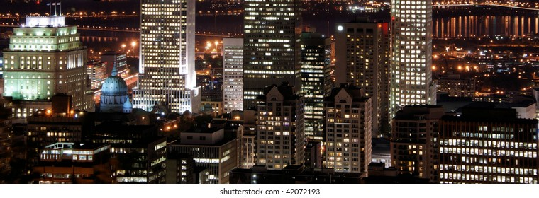 Urbanism at Night of Montreal