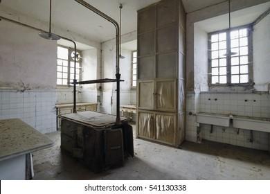 Urbex - Old abandoned kitchen