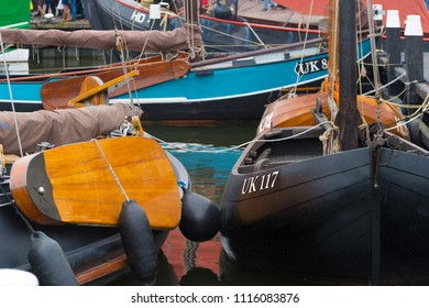 Immagini, foto stock e grafica vettoriale a tema Fishing Trawler the