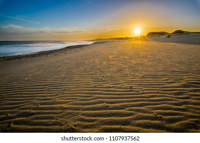 Uruguayan beaches are incredible, wild and virgin beaches wait for the one that wants to go to this amazing place where enjoy a wild and lonely beach. Here we can see the sunset at Oceania de Polonio