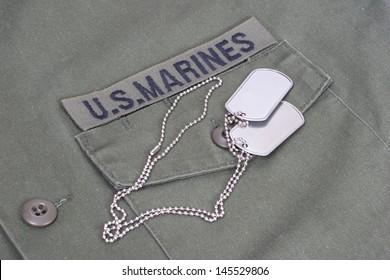 us marines uniform with blank dog tags