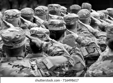 US soldiers giving salute, BW