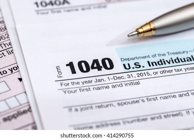 us tax form with pen