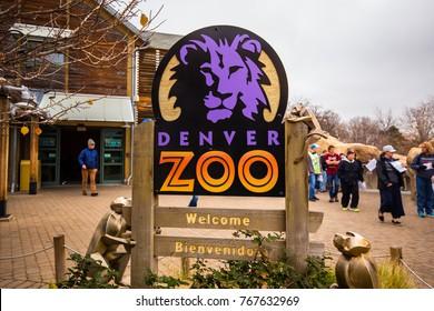 USA. COLORADO. DENVER. DECEMBER 2017: Sign, entrance to Denver Zoo. Plate with a purple lion.