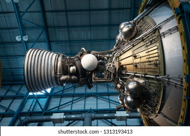 USA. FLORIDA. KENNEDY SPACE CENTER 2019: Apollo / Saturn V Center. Space hangar with rocket.