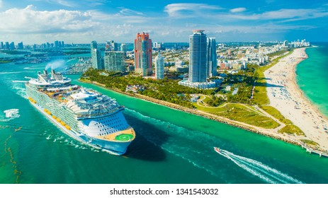 USA. FLORIDA. MIAMI BEACH 2019: Cruise ship MS Symphony of the Seas. The largest in the world.