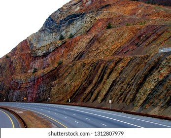 USA, Maryland, Washington County, Sideling Hill, syncline, metamorphic layers, Allegheny Mountains, Appalachian Mountains