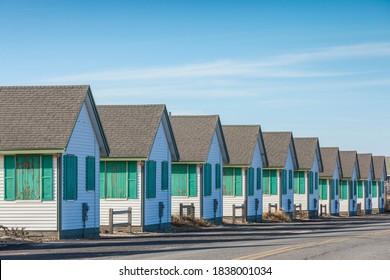 USA, Massachusetts, Cape Cod, Provincetown. Vacation cottages along Cape Cod Bay.