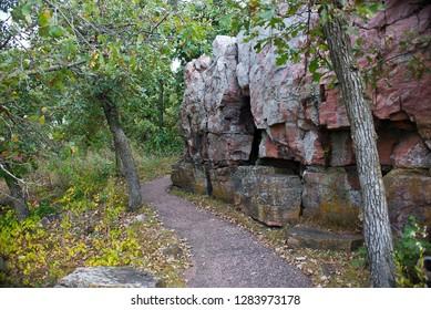 USA, Minnesota, Pipestone, Pipestone National Monument, Quartzite Cliffs on Circle trail