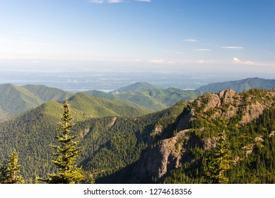 USA, Washington State, Olympic Peninsula. Dramatic vista from Mount Townsend trail in Buckhorn Wilderness.