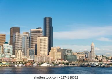 USA, Washington State, Seattle. Blue sky over the Elliott Bay waterfront.