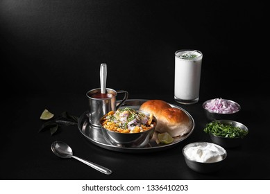 Usal/Misal Pav is a traditional Chat food from Maharashtra, India