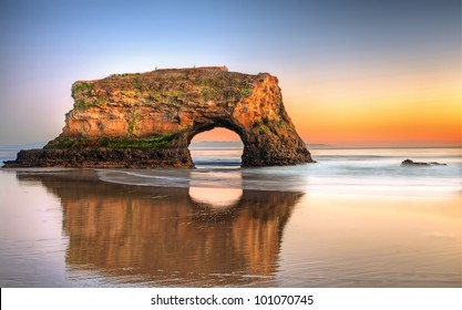 USA-Santa Cruz-Natural Bridges State Beach