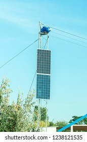 use of solar power, construction with two large solar panels used for the engine