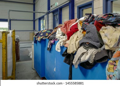 Used clothing wholesale textile recycling