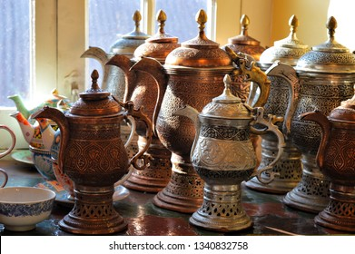 It is used to keep tea hot with the help of burning coal. The tea thus made tastes like heaven.
