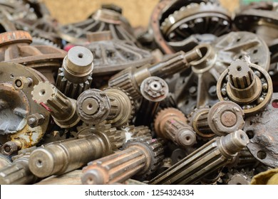 Used metal gears,Used engine parts, Used car parts & accessories,