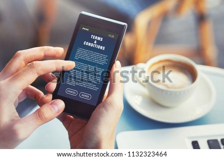 User Reading Terms Conditions Website Service Stockfoto (Jetzt ...