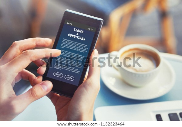 User Reading Terms Conditions Website Service Stockfoto ...