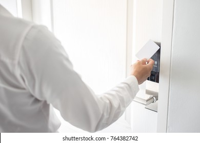 Using Key card To Open The Door or Scan Keycard open door for chance