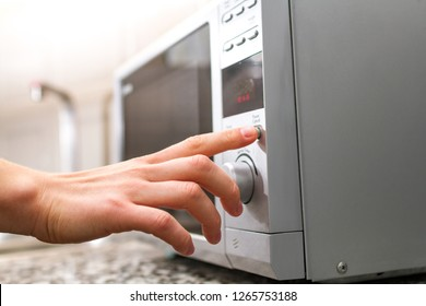 Using the microwave to heat food