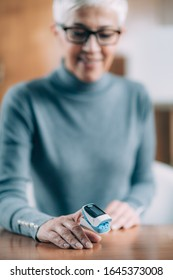 Using Pulse Oximeter at Home to Test Oxygen Level in Blood