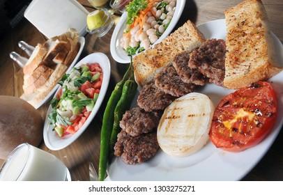 köfte,Trabzon usulu mıhlama,hamburger,tavuk çökertme