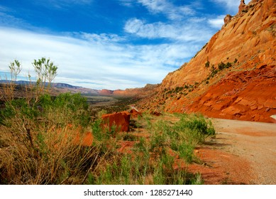 Utah, Highway 95 at Comb Ridge, a dramatic uplift west of Blanding, The ridge is the site of numerous ancient ruins and dramatic geological formations.