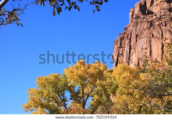 Utah (united states) – the zion park in autumn
