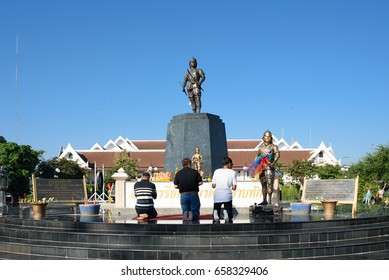 Uttaradit, Thailand- December 14, 2016: People pay respect to the Monument of Phraya Phichai Dap Hak, Thai hero who fighting with Burmese troop until one of his sword was broken in the 18th century