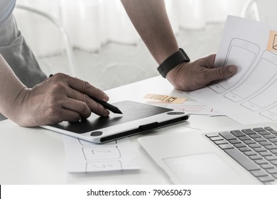 ux designer designing designers web brand phone smartphone layout geek business prototype internet goals sketch plan write idea success solution concept