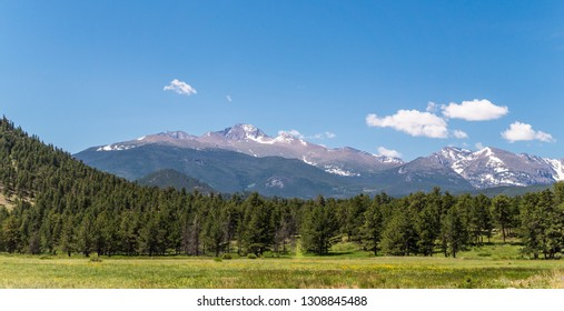 Vacations in Colorado. Picturesque valleys and mountain peaks of the Rocky Mountains
