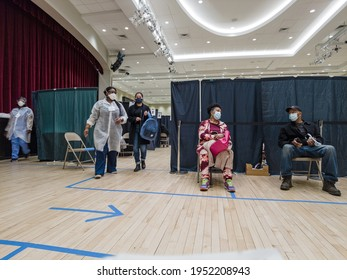 Vaccine Hub, Waiting room for the COVID-19 shoots, Vaccine Appointments  in the Bronx, New York, United States 4.07.2021