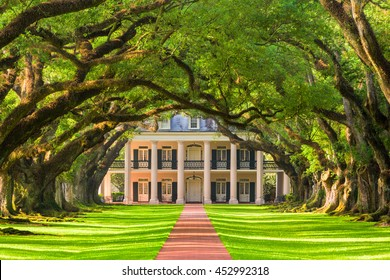 Vacherie, Louisiana - May 12, 2016: Oak Alley Plantation exterior.