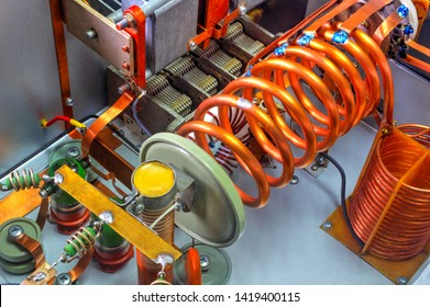 vacuum tubes shortwave power amplifier - inside view