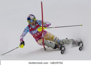 VAL D'ISERE FRANCE. 19-12-2010. Lindsey Vonn (USA) during the Slalom section of the women's Super Combined race at the FIS Alpine skiing World Cup Val D'Isere France.