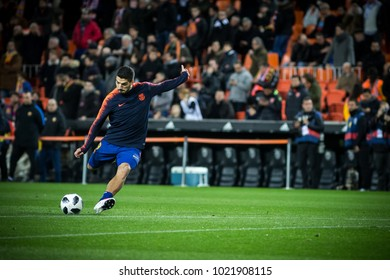 VALENCIA, SPAIN - FEBRUARY 8: Luis Suarez during Spanish King Cup match between Valencia CF and FC Barcelona at Mestalla Stadium on February 8, 2018 in Valencia, Spain