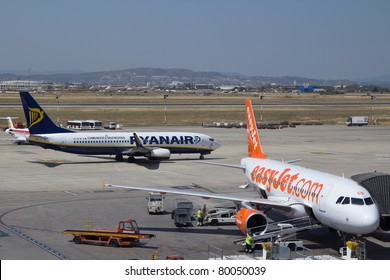 VALENCIA, SPAIN - JUNE 22:Ryanair and EasyJet at the Valencia airport on June 22, 2011 in Valencia, Spain.  Airline Monarch has announced plans to take on Ryanair and EasyJet in the low cost market.