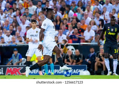 VALENCIA, SPAIN - SEP 19: Batshuayi plays at the UCL match between Valencia CF and Juventus FC at Mestalla on September 19, 2018 in Valencia, Spain.