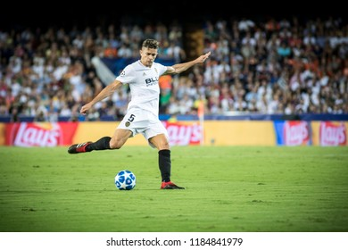 VALENCIA, SPAIN - SETEMBER 19: Paulista during UEFA Champions League match between Valencia CF and Juventus at Mestalla Stadium on September 19, 2018 in Valencia, Spain