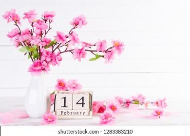 489 hình ảnh về lịch hoa đào, biểu tượng đẹp cho ngày tết cổ truyền