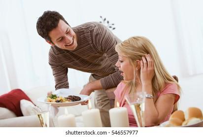 Valentine's: Man Surprises Girlfriend with Dinner