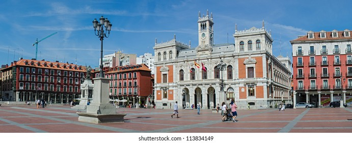 VALLADOLID, SPAIN-SEPTEMBER 22: The Plaza Mayor and the city hall of Valladolid on September 22, 2012 on Valladolid, Castilla y Leon, Spain. Main square is the first place arcades closed in Spain.