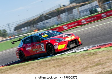 Vallelunga, Rome, Italy. September 4th 2016. Seat Leon Italian Cup: driver Nicola Baldan in action during race