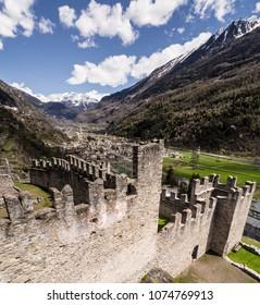 Valley of Valtellina, castle of Grosio and little village.