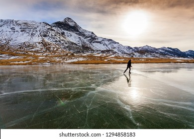 Valmalenco (IT) - Campagneda lake - skating on a frozen lake