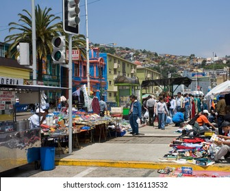 Valparaiso. Chile. 11.13.05. Local people at a busy market in the city of Valparaiso in central Chile, South America.