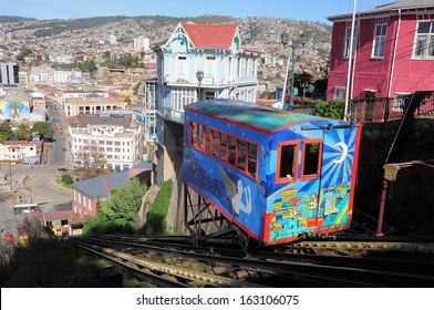 VALPARAISO, CHILE - MAY 29: Passenger carriage of funicular railway (one of the oldest in the world) goes up on May 29, 2013 in Valparaiso, Chile.